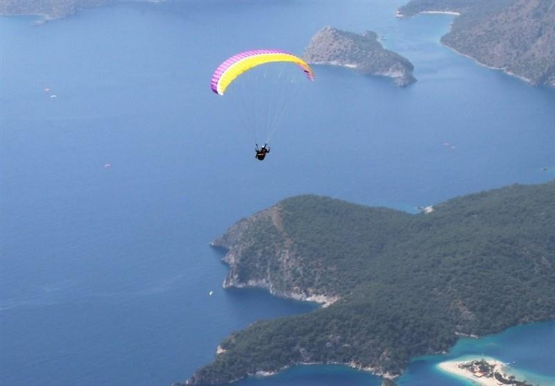 پرواز با پاراگلایدر در کوهستان های ترکیه