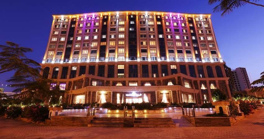 اقامتگاه های دولتی رقیب هتل ها شده اند