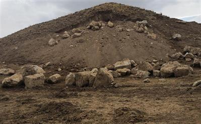 عرصه و حریم بنای تاریخی قلاتگاه اشنویه معین می شود