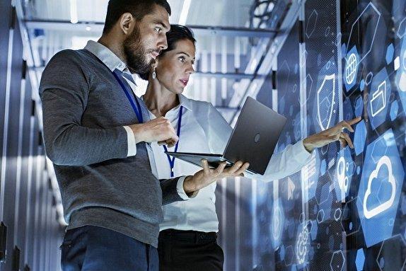 نظارت بر فناوری و بکارگیری نیروهای متخصص و مجهز به آخرین فناوری های روز